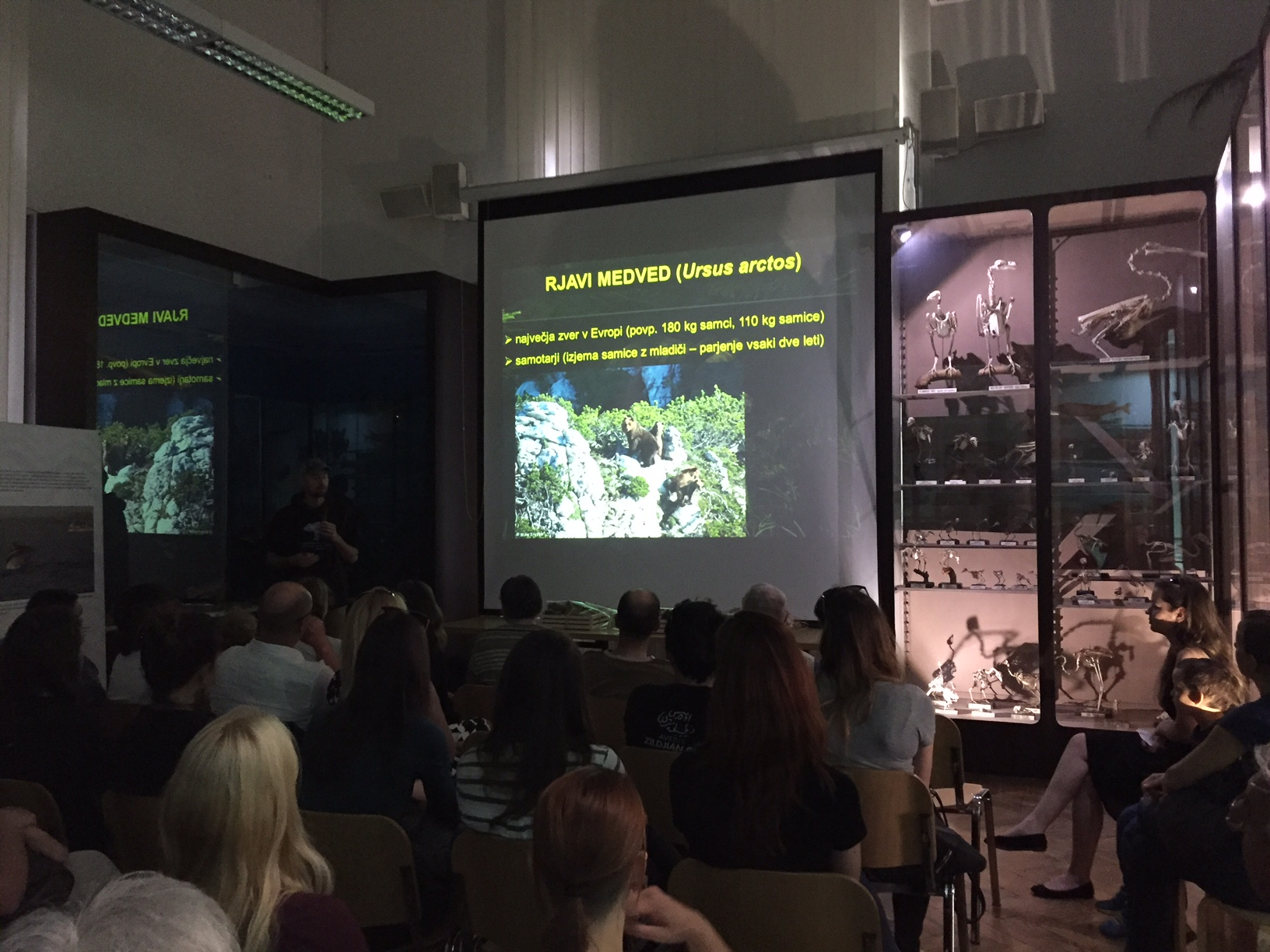 """Life with bears"" photo exhibition officially opened with an award ceremony at Slovenian Museum of Natural History"
