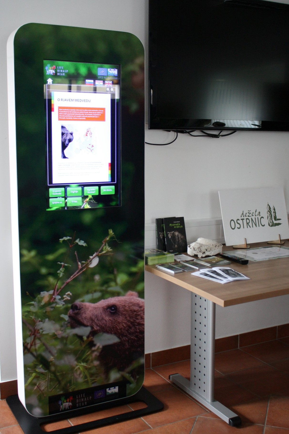 TIC Lož added »bear« info point to their bear watching touristic offer